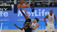 Anadolu Efes Fenerbahçe'yi 93-84 yendi