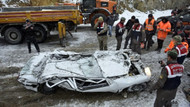 Bu teneke yığını az önce bir otomobildi: 2 kişi öldü