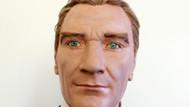 Saçları tek tek dikilen Atatürk heykeli ilgi odağı oldu