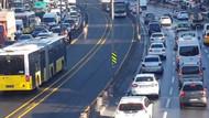Metrobüs yoluna giren çıplak vatandaştan dram çıktı