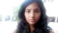 Gazeteci kadın, etek giydiği için taksi şoförü tarafından aşağılandı!