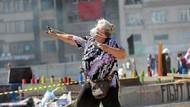 Gezi'nin sapanlı teyze'si: Pişman değilim, geleceğimize sahip çıktık
