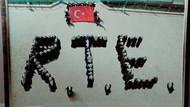 İmam Hatip lisesinde öğrencilerden R.T.E. yazdılar!
