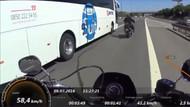 Motosikletlinin üzerine kırdı!