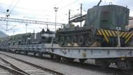 Darbe gecesi durdurulan askeri araç ve mühimmat yüklü tren halen Bilecik Garı'nda bekletiyor