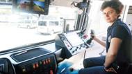 Türkiye'nin TOMA kullanan tek kadın polis memuru Mukaddes Koşan