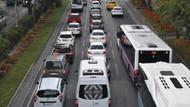 İstanbul'da okullar açıldı trafik yoğunlaştı!