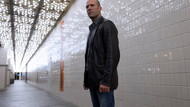 Jason Statham Skylife dergisi için poz verdi