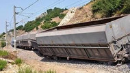 Muş'ta yük trenine bombalı saldırı!