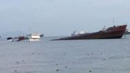 Zeytinburnu açıklarında kuruyük gemisi batıyor