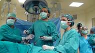Kadın hastaya vajinal yolla böbrek nakli yapıldı
