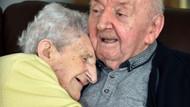 98 yaşındaki anne 80 yaşındaki huzurevinde kalan oğlunun yanına taşındı