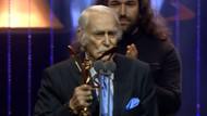 Harun Kolçak'ın ödülünü alan Eşref Kolçak'tan ağlatan konuşma