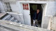 Fatih'teki garip olay...  Kaldırım taşları söküldü, evine kavuştu