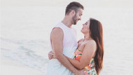 Eşinin Plajdaki Fotoğrafını Paylaştı Bakın nasıl ünlü oldu