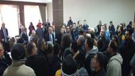 Pazarcı esnafı meclis toplantısını bastı