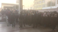 Vapurlar durdu... Marmaray'da son durum: Yolcular sayıyla alınıyor