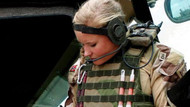 Norveçli kadın askerlerin zor görevi