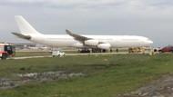 Atatürk Havalimanı'na bakıma gelen uçak toprağa çıktı