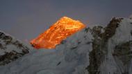 Dünyanın zirvesi çöktü: Hillary Step kayalığı yok oldu