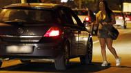 Trafikte müşteri arayan travestiye para cezası