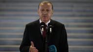Erdoğan: FETÖ'cü hainlerin mahkemede oynadığı tiyatroya bakmayın