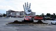 Düzce'de kavşağa Rabia heykeli