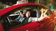 Kamusal alan tartışması: Araç içinde baş açılabilir mi?