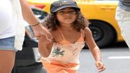 Kim Kardashian dört yaşındaki kızına korse mi giydirdi?