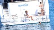 Begüm Eyilik teknede bikiniyle yakalandı
