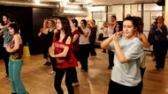 İran'da dans ettikleri için 6 kişi tutuklandı