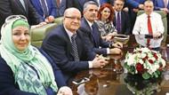Akit yazarı: Erdoğan'ı daha nasıl eleştireceksiniz? Hakaret mi edeceksiniz? Küfür mü?