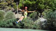Antalya'da ağaçlar arasında zipline adrenlini