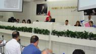 İzmir'de içkili bölgeler AK Parti'yi böldü