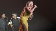 Mariah Carey cesur dekoltesiyle Tokyo'da göz kamaştırdı