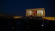 Anıtkabir'de tüyleri diken diken eden görüntüler! Binler hep bir ağızdan Andımızı okudu