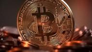 Bitcoin 6 haftada yarı yarıya değer kaybetti