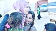Tesettüre giren Gamze Özçelik, yardım için İdlib'e gitti