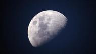 Çin Ay'ın karanlık yüzüne keşif aracı gönderdi