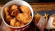 KFC'nin tavuğu bitti! 800 restoran kepenk indirdi