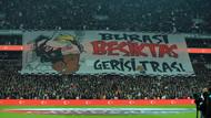 Beşiktaş - Fenerbahçe derbisinden ilginç fotoğraflar