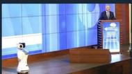 Bakan Arslan robotla tartıştı sosyal medya yıkıldı