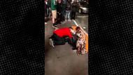 Sokak ortasında yatan sarhoş kadını taciz etti, çevredekiler izledi