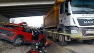 Kamyona çarpan otomobilin sürücüsü kadın mühendis öldü