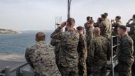 Amerikan Askerleri Dur Yolcu'ya dürbünle baktı