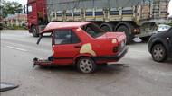 Afyonkarahisar'da ikiye bölünen aracın sürücüsü sağ kurtuldu!