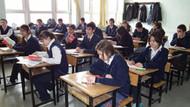 Ortaöğretimde devamsızlıktan kalan öğrenciler mezun oldu