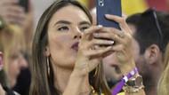 Gösteri dünyasının selfie çılgını yıldızları