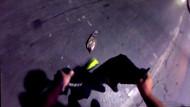 Trafiği durdurup yaralı martıyı ceketiyle kurtaran genç alkış topladı