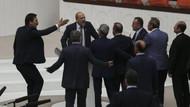 AK Parti'den Ahmet Şık'a 100 bin TL'lik dava